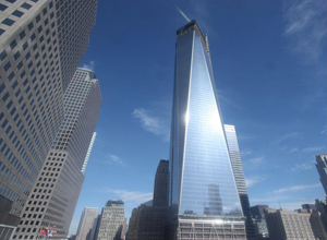 Le nouveau World Trade Center brille désormais dans le skyline de New York !